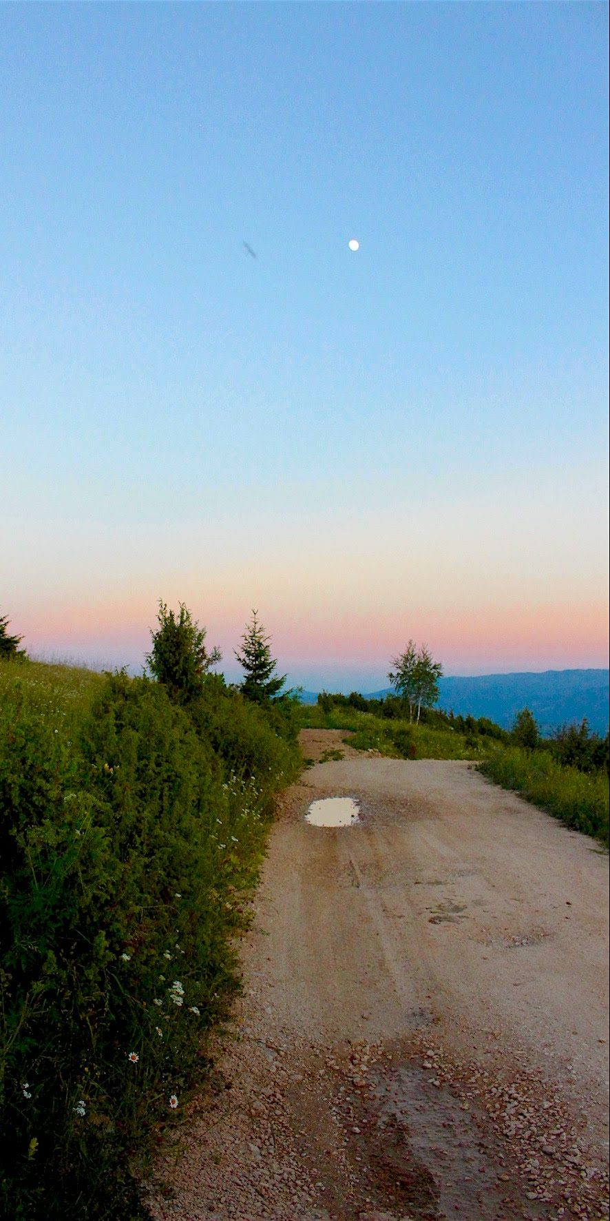 Vukov Konak - Mountain road in sunset
